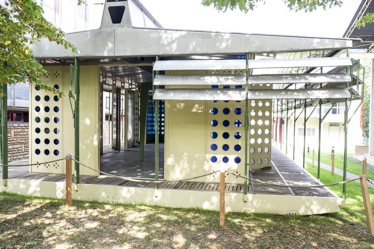 Maison tropicale jean prouv morgan fortems - Maison tropicale prouve ...